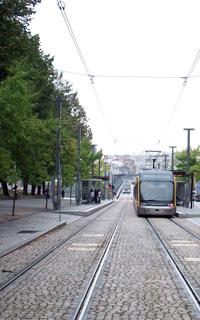 porto-vila-nova-de-gaia-tram